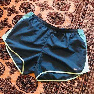 NIKE DRI-fit Running shorts green athletic gym XL